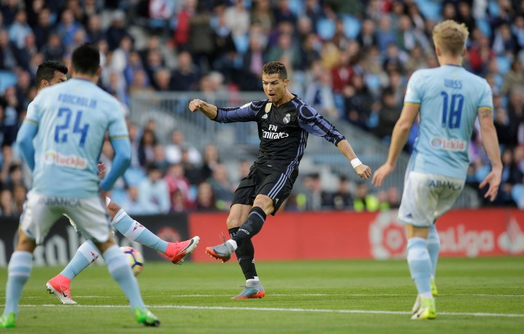 Ronaldo ghi danh lich su sau cu dup vao luoi Celta Vigo hinh anh 2