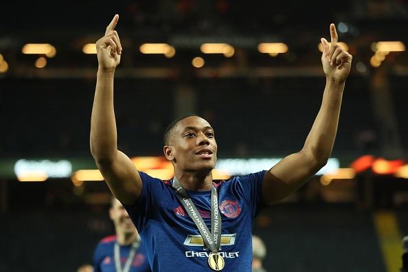 Cham diem chung ket Europa League: 'Cuu tinh' Fellaini hinh anh 13