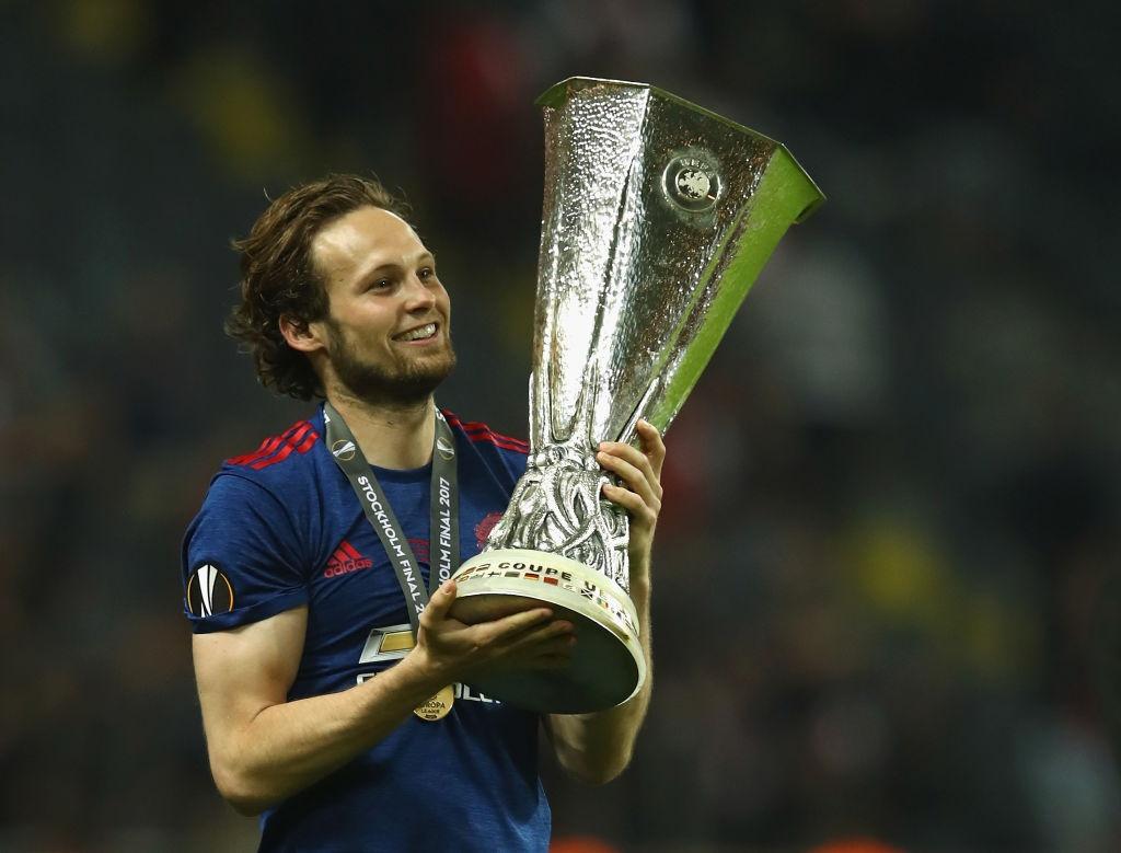 Cham diem chung ket Europa League: 'Cuu tinh' Fellaini hinh anh 4