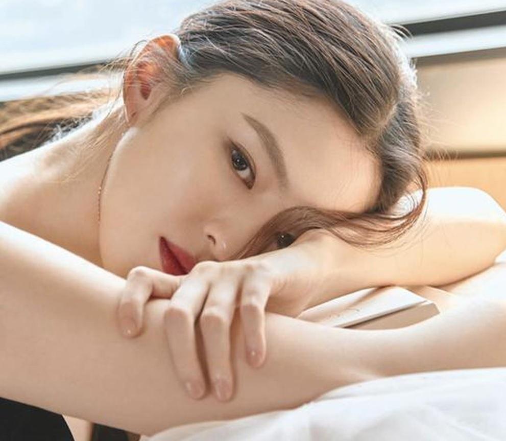 Seo Ye Ji,  Han So Hee,  Tieu Song Hye Kyo anh 1