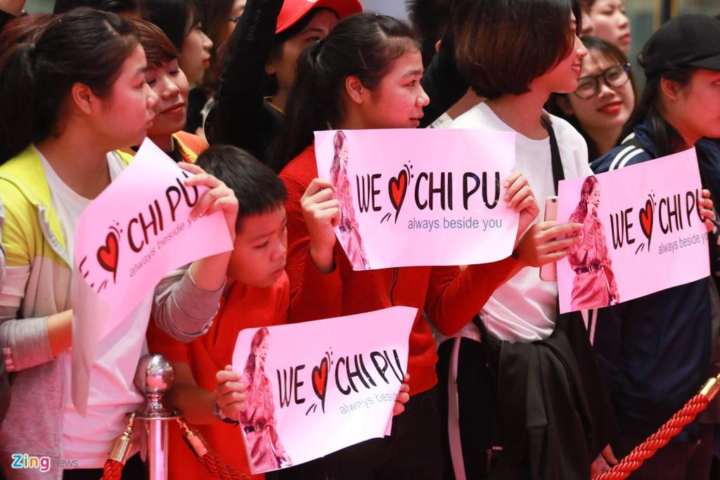 Chi Pu, Mai Ngo hao hung tap mon the thao moi tai Viet Nam hinh anh 2