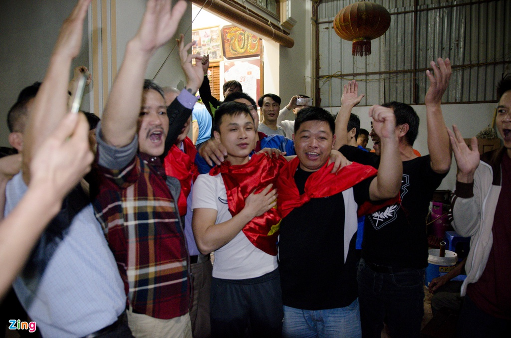 'Trong tim toi bay gio, Quang Hai con hon ca Messi hay Ronaldo' hinh anh 2