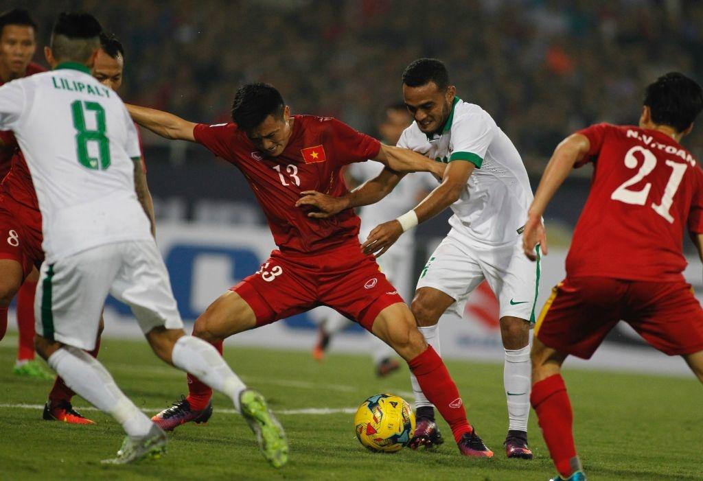 Trong doi hinh Viet Nam thua Indonesia nam 2016, chi 5 nguoi tru lai hinh anh 2