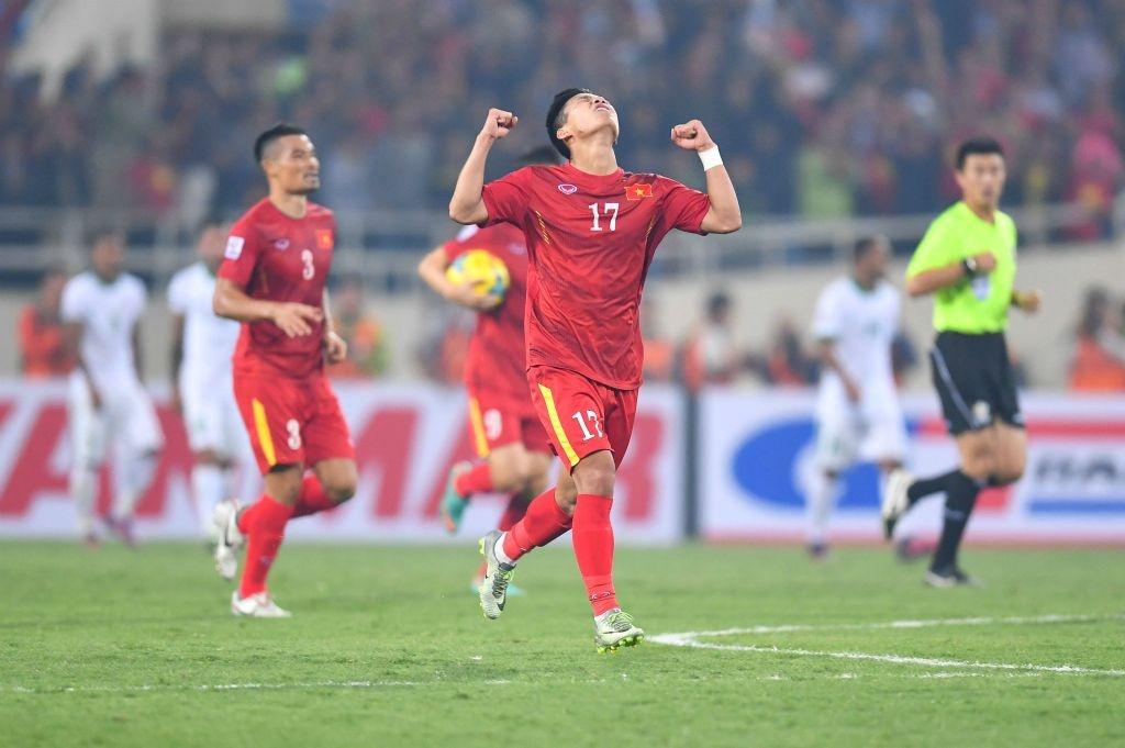 Trong doi hinh Viet Nam thua Indonesia nam 2016, chi 5 nguoi tru lai hinh anh 5