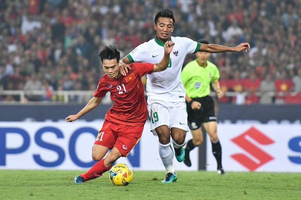 Trong doi hinh Viet Nam thua Indonesia nam 2016, chi 5 nguoi tru lai hinh anh 9
