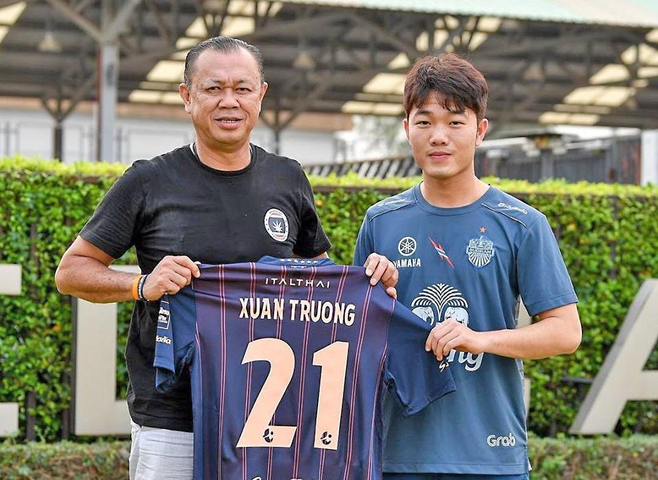 Ty phu Thai Lan xay san bong hien dai, duong dua F1 hang trieu USD hinh anh 1