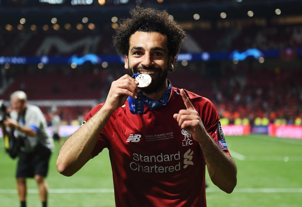 Khoanh khac Liverpool nang cao cup vo dich Champions League sau 14 nam hinh anh 11