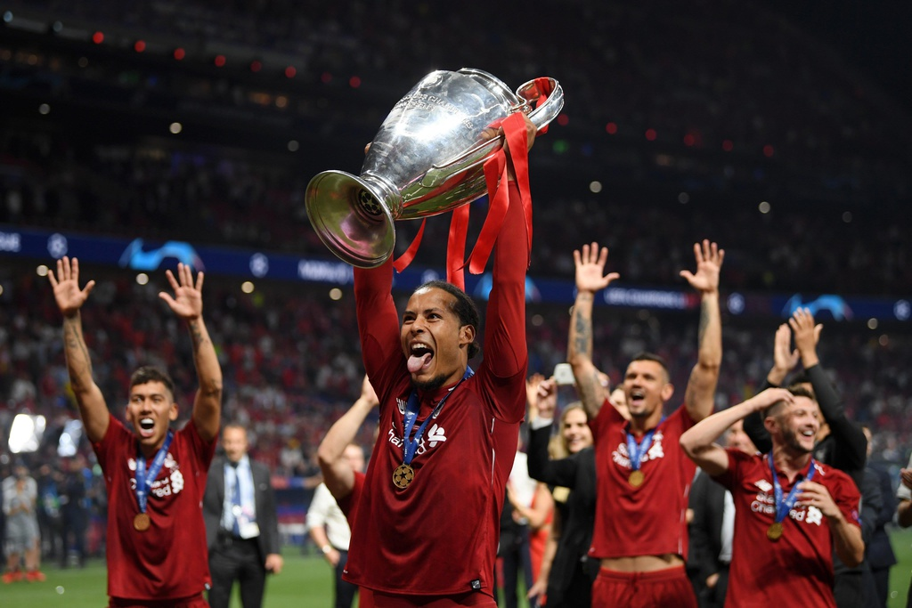 Khoanh khac Liverpool nang cao cup vo dich Champions League sau 14 nam hinh anh 12