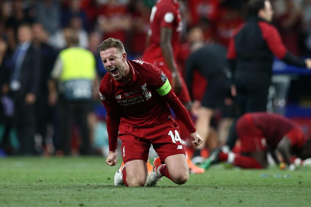Khoanh khac Liverpool nang cao cup vo dich Champions League sau 14 nam hinh anh 2