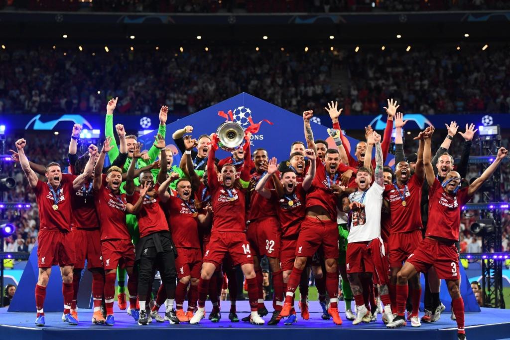 Khoanh khac Liverpool nang cao cup vo dich Champions League sau 14 nam hinh anh 4