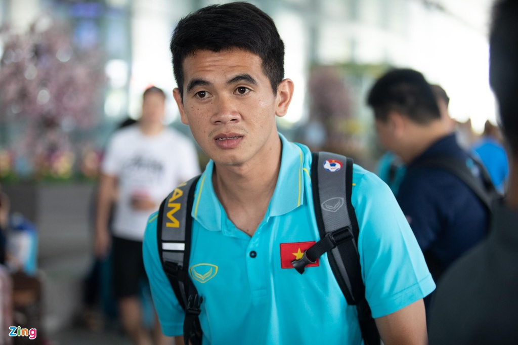 Tuyen Viet Nam ve den Noi Bai sau khi gianh ngoi a quan King's Cup hinh anh 10