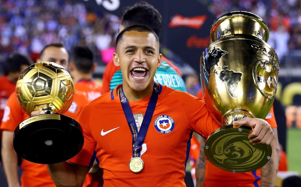 Alexis Sanchez toa sang tai Copa America de cuu van su nghiep hinh anh 2