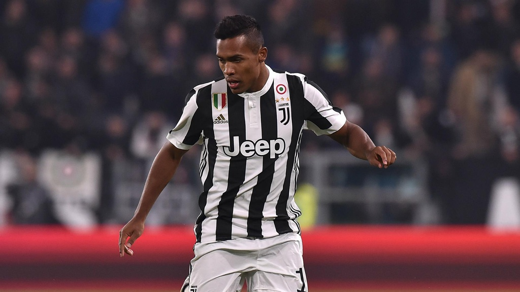 Ronaldo song hanh Pogba o doi hinh trong mo cua Juventus mua toi hinh anh 2