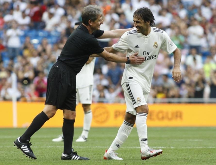 Raul toa sang trong tran dau giua huyen thoai Real va Chelsea hinh anh 4