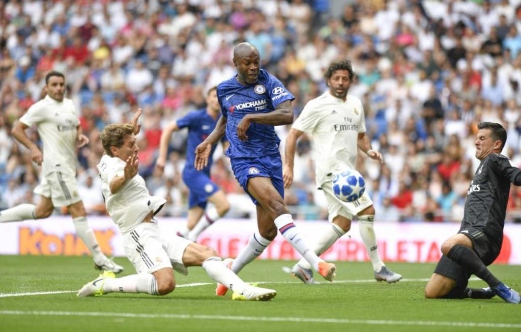 Raul toa sang trong tran dau giua huyen thoai Real va Chelsea hinh anh 9