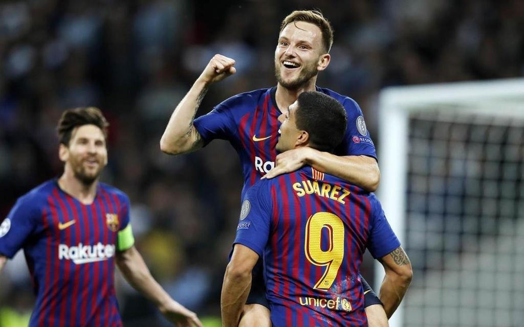 Doi hinh Barcelona mua toi voi su ket hop cua Messi va Griezmann hinh anh 7