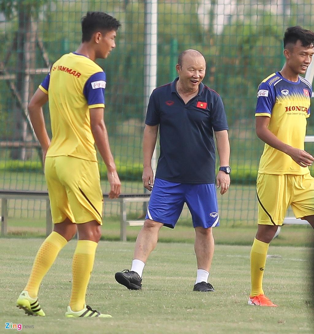 HLV Park xu ly bong truoc vong vay cua U23 Viet Nam hinh anh 5