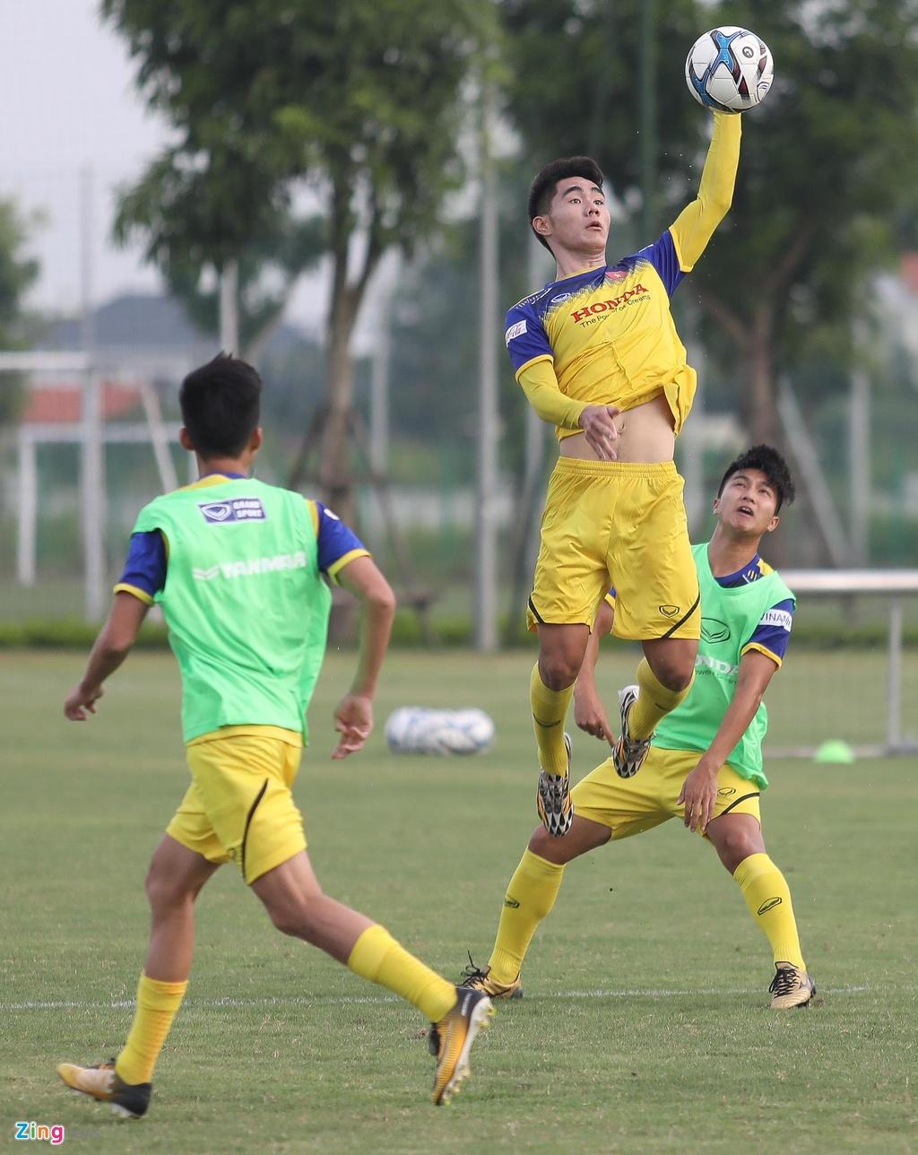 HLV Park xu ly bong truoc vong vay cua U23 Viet Nam hinh anh 9