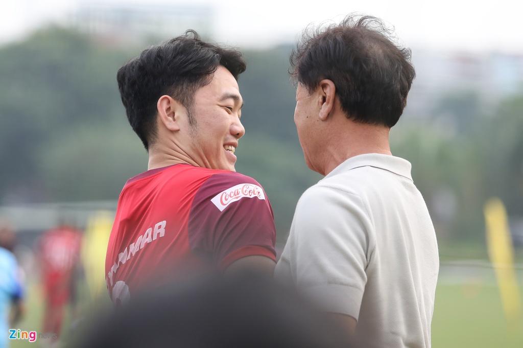 Xuan Truong han hoan khi gap lai thay cu hinh anh 2