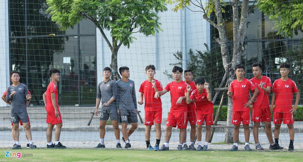 U19 Sarajevo tap luyen tai Ha Noi, chuan bi du giai quoc te hinh anh 10
