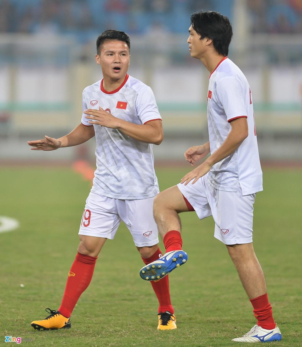 Qua bong Vang chau A 2016 lu mo truoc Tuan Anh, Quang Hai hinh anh 10