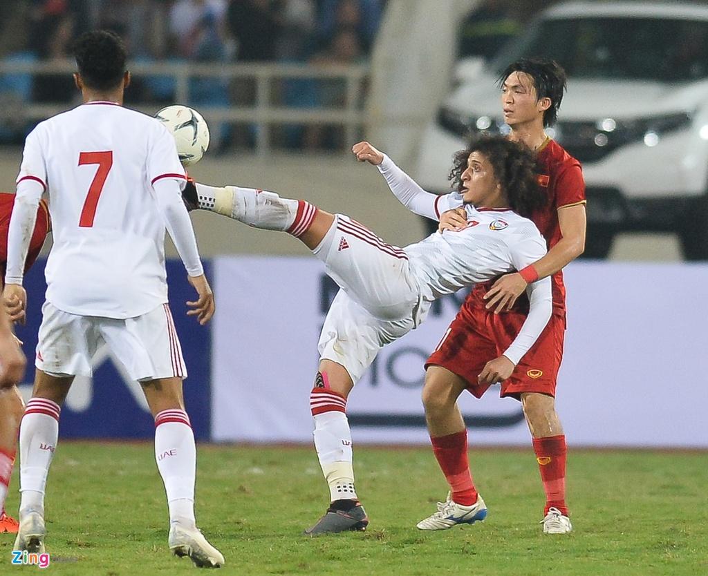 Qua bong Vang chau A 2016 lu mo truoc Tuan Anh, Quang Hai hinh anh 2
