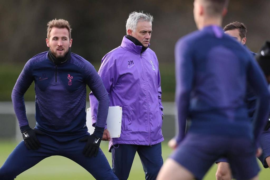 Mourinho hao hung trong buoi tap dau voi Son, Kane hinh anh 3