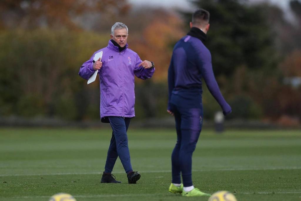 Mourinho hao hung trong buoi tap dau voi Son, Kane hinh anh 5
