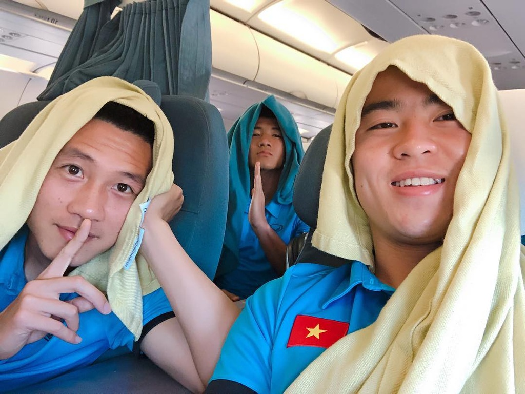 Moi tinh 4 nam ngot ngao cua cau thu Huy Hung va ban gai xinh dep hinh anh 8