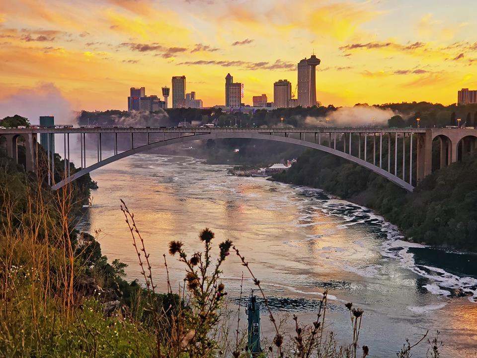 Thac Niagara khac la nhin tu hai phia My va Canada hinh anh 13