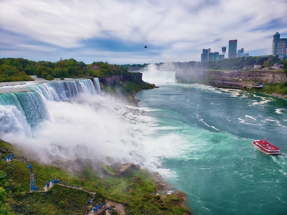 Thac Niagara khac la nhin tu hai phia My va Canada hinh anh 1
