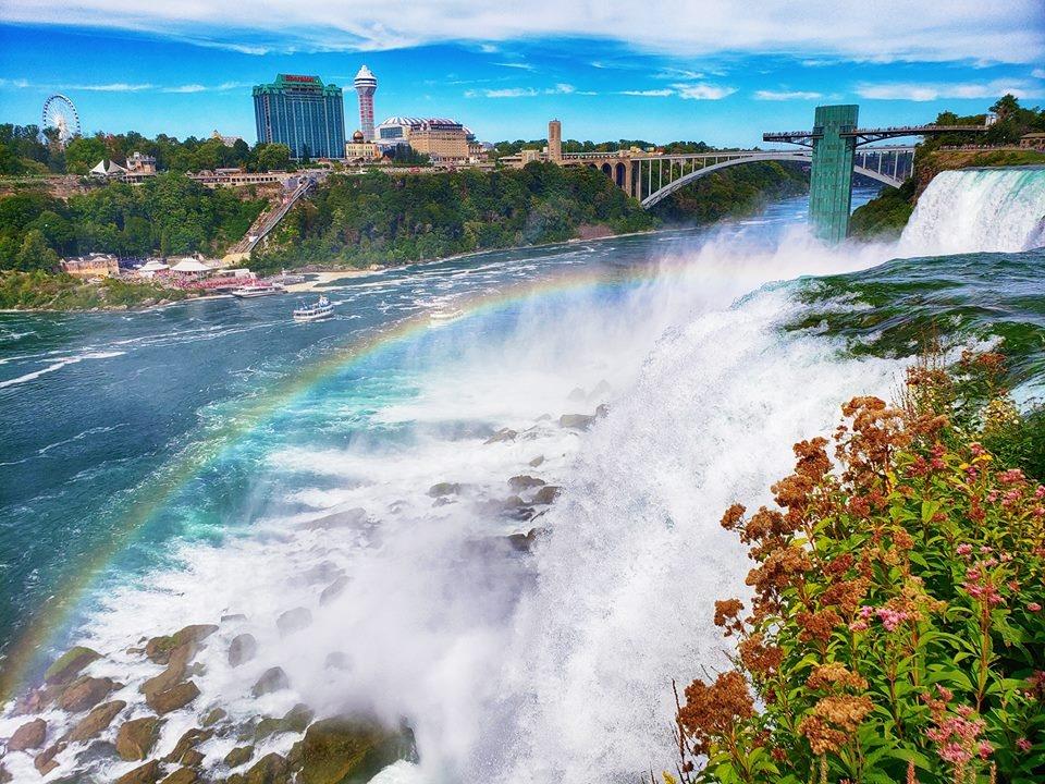 Thac Niagara khac la nhin tu hai phia My va Canada hinh anh 4