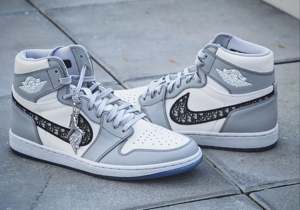 sneakers co gia ban lai cao 2020 anh 2