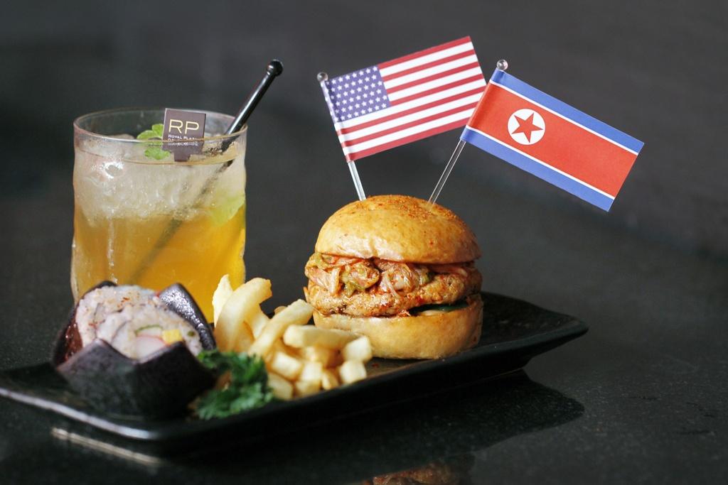 Nha hang Singapore tranh thu an theo thuong dinh Trump - Kim hinh anh 3