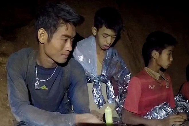 Huan luyen vien doi bong Thai thuong bon tre hon chinh ban than hinh anh 1