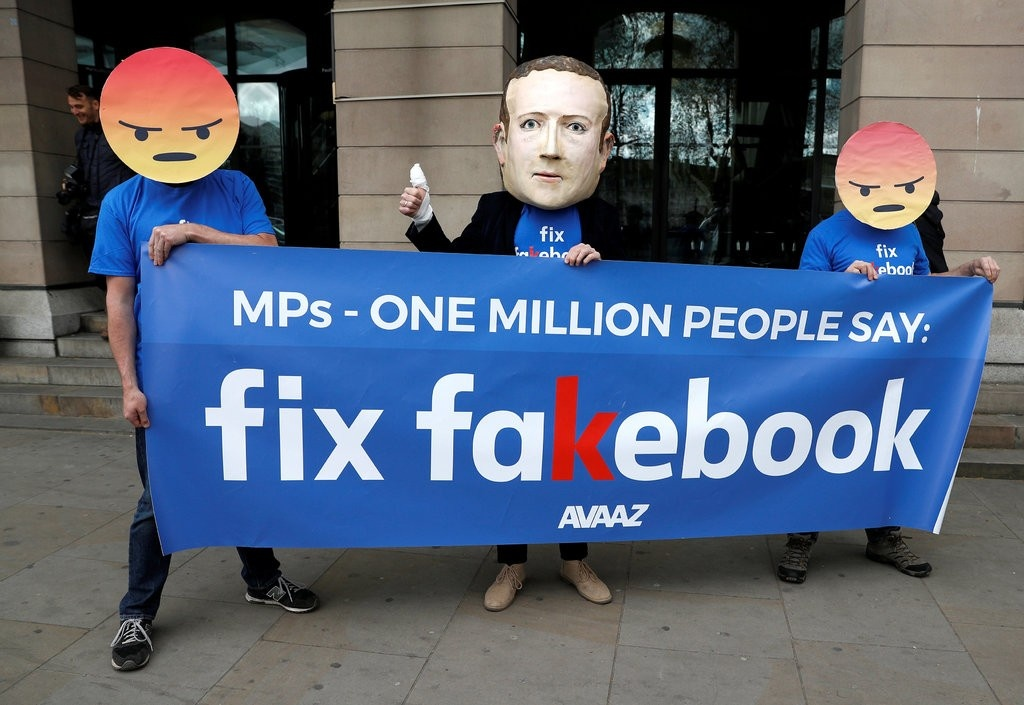 Nghi si Anh: Facebook tra loi 'khong trung thuc' ve van nan tin gia hinh anh 1