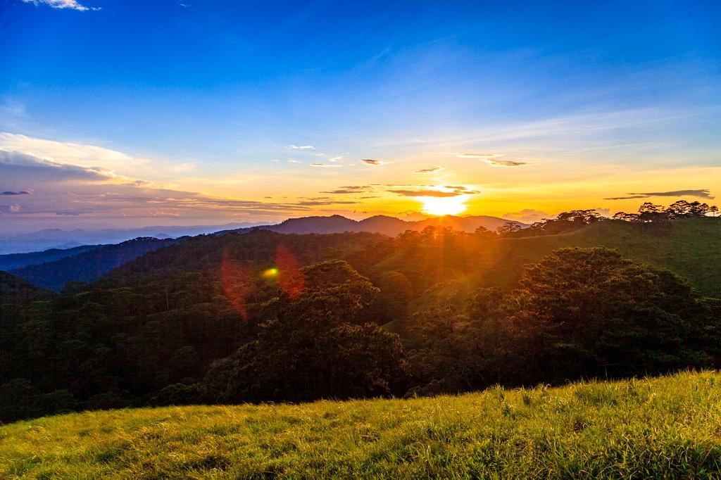 Ta Nang - Phan Dung: Cung duong trekking dep nhung day ray hiem nguy hinh anh 14