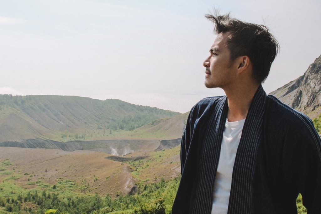 Chinh phuc ngon nui lua nguy hiem bac nhat Hokkaido hinh anh 1