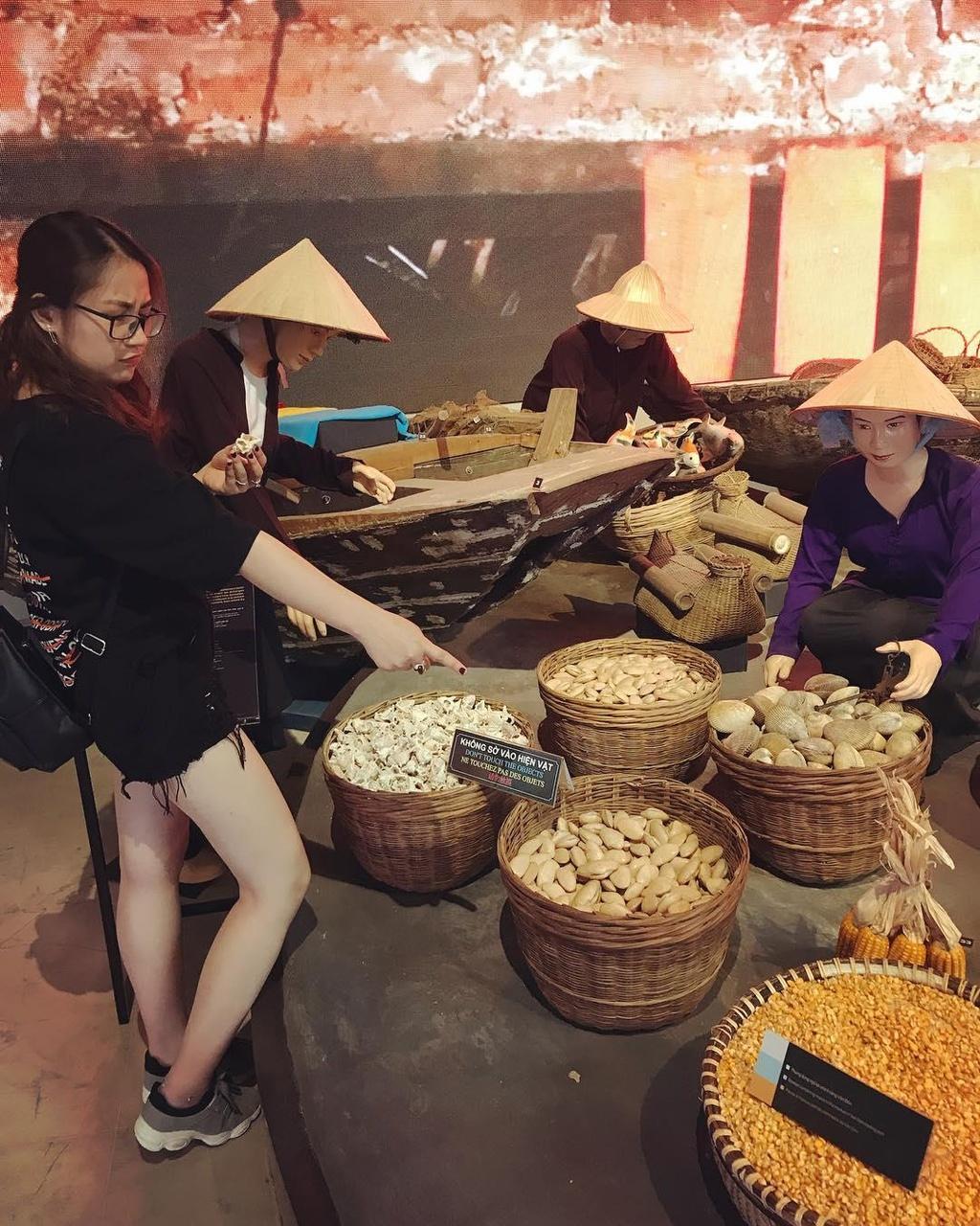 'Song Lung Khung Long' va cac noi dung vao la co anh dep o Quang Ninh hinh anh 23