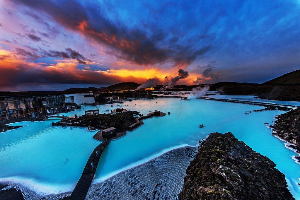 Những hồ bơi độc, lạ trên thế giới giúp bạn hòa cùng thiên nhiên - Ảnh 2