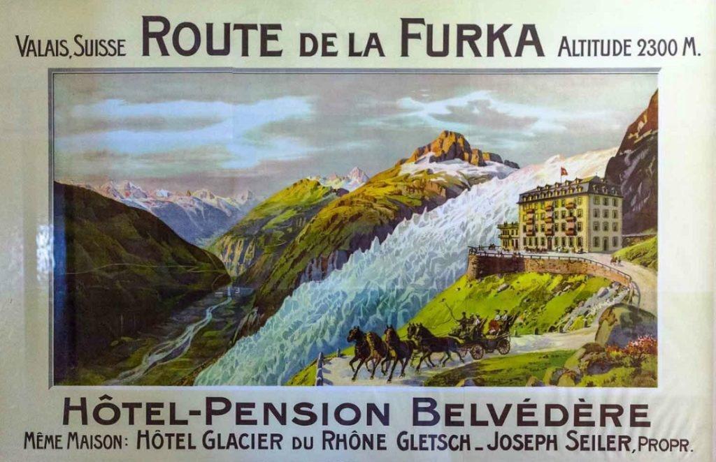 Bi an khach san 4 mat tien bi bo hoang tren nui Alps hinh anh 9