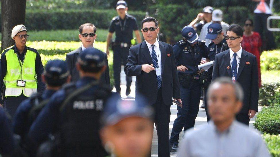 Ba lop bao ve an ninh tuyet doi cho ong Kim Jong Un hinh anh 3
