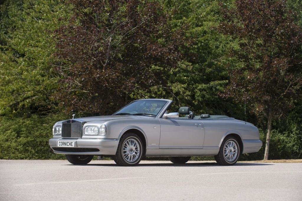 Bo suu tap Rolls-Royce hiem cua Hoang gia Anh tu hoi tai buoi dau gia hinh anh 8