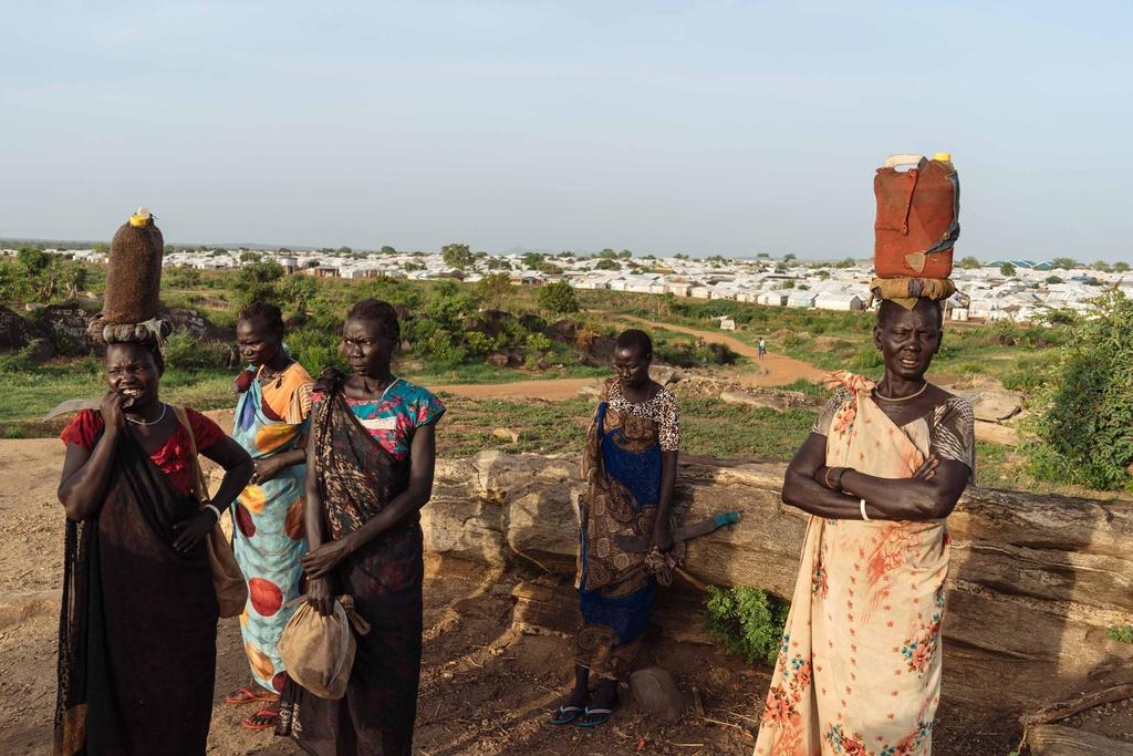 Phu nu Nam Sudan vao rung lay cui: Bi cuong hiep hay ca nha nhin doi hinh anh 1