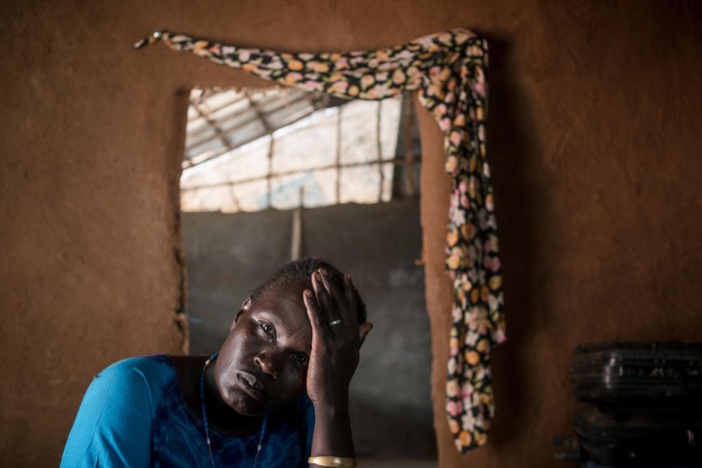 Phu nu Nam Sudan vao rung lay cui: Bi cuong hiep hay ca nha nhin doi hinh anh 2
