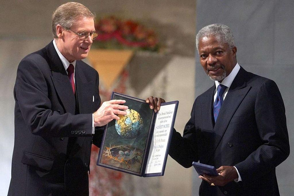 Kofi Annan - vi tong thu ky LHQ mot doi tan tam vi hoa binh the gioi hinh anh 6
