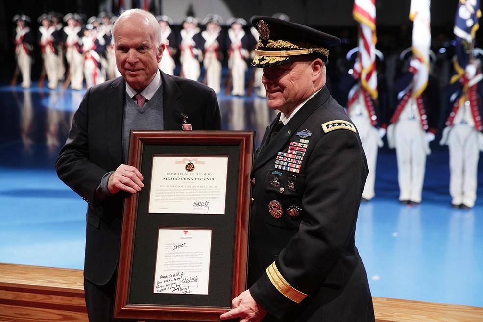 TNS John McCain - tieng noi di dau vun dap quan he Viet - My hinh anh 15