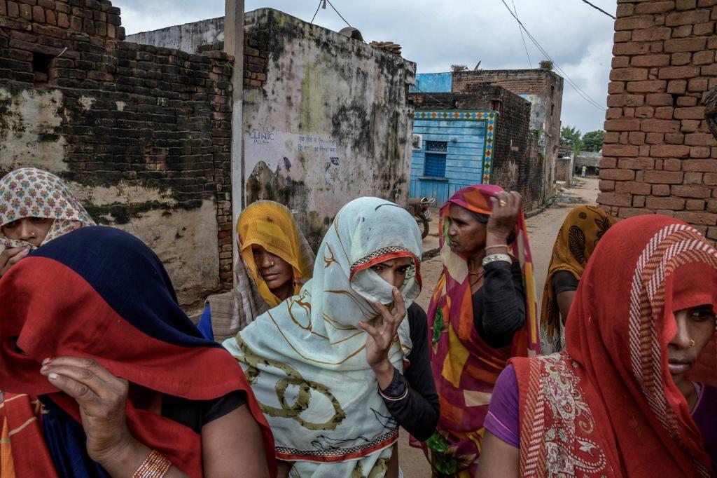 Phan biet dang cap o An Do: Nguoi Dalit bi danh dap, lot da dau hinh anh 2
