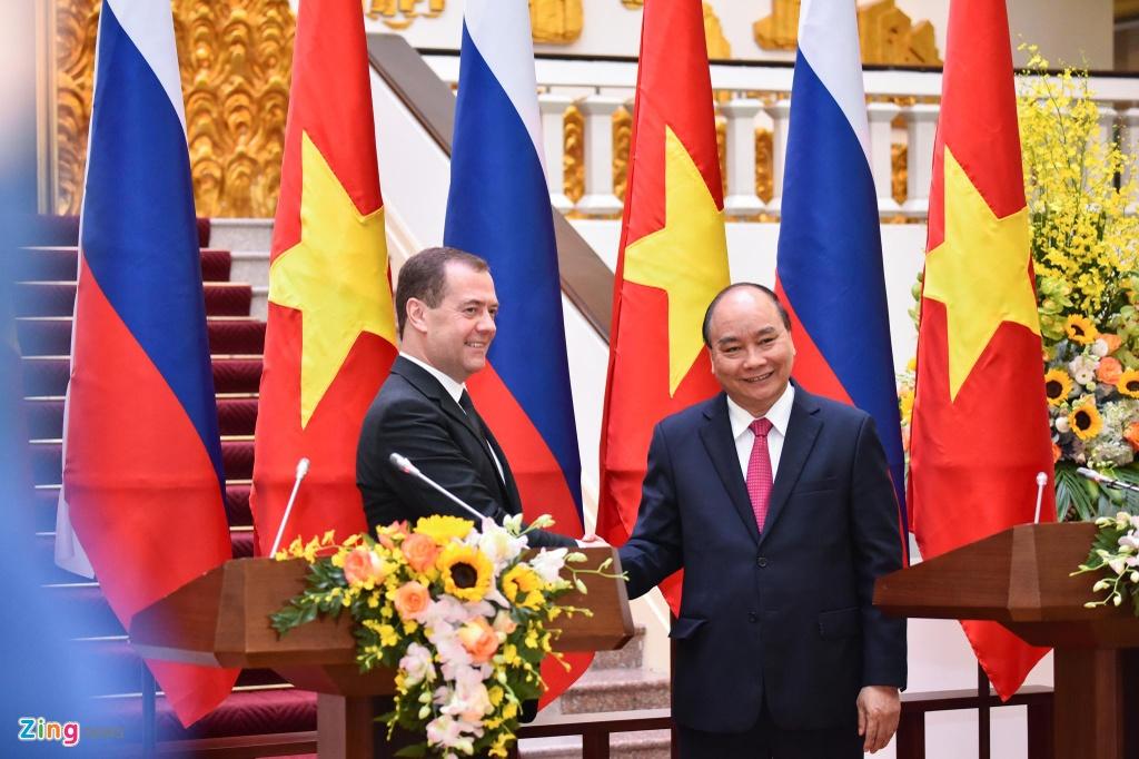 Thu tuong Nguyen Xuan Phuc don Thu tuong Nga tham chinh thuc Viet Nam hinh anh 7