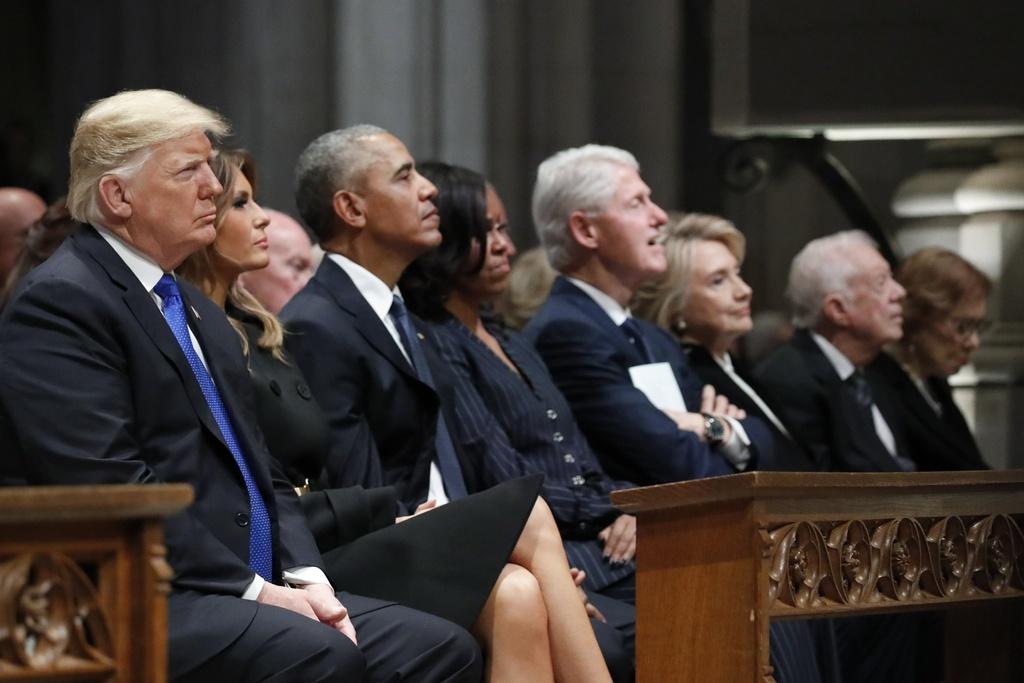 TT Trump le loi khi 'CLB tong thong' quy tu o le tang Bush 'cha' hinh anh 2
